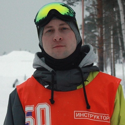 Хаялиев Роман<br><font color='#1e46a1'>инструктор категории «C»</font>